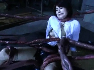 Alien Tentacles Cum Encompassing Over Her!