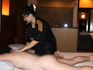 Fat butt Asian amateur oily massage and fucked on top