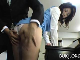 Astonishing shove around eastern beauty Mariko Shiraishi fucked man