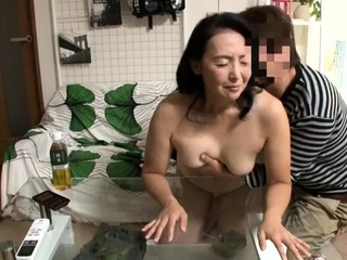 Mature Mom suck coupled with fuck doggystyle