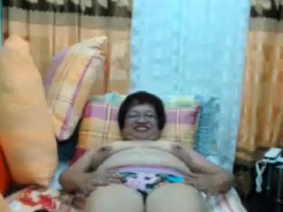 Filipina Asian Mature Madura Oma with Glasses